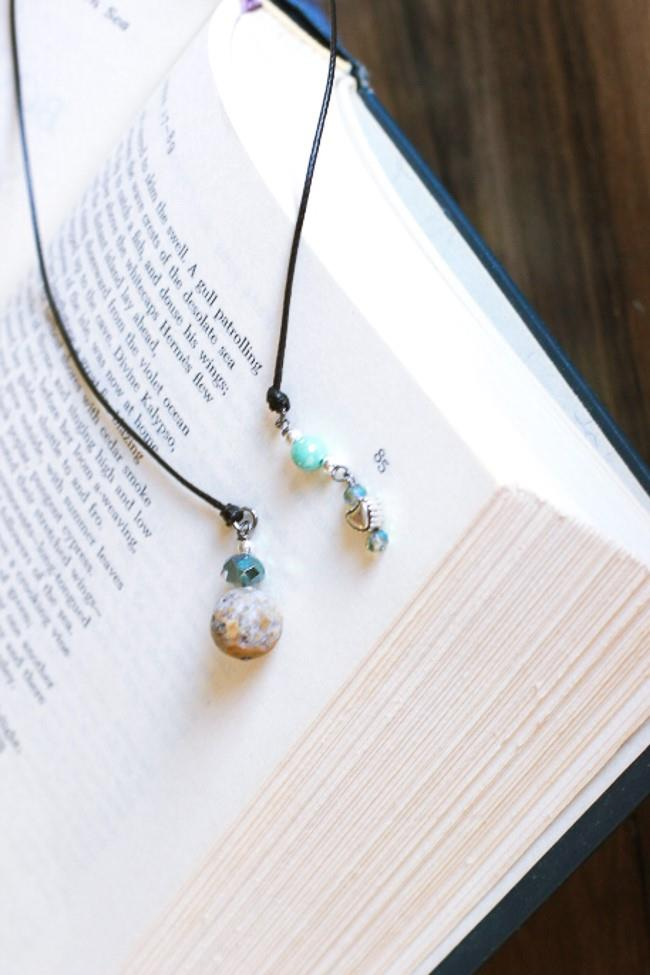 Add a little charm to your bookshelf with this dazzling bookmark. #bookishgift #booklove #booklovers #literarygifts