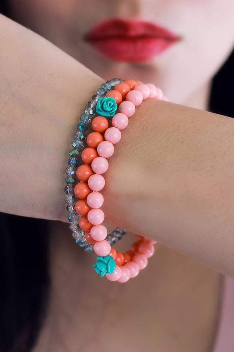 Chloe Coral Stretch Bracelet by Kaleidoscopes & Polka Dots #livingcoral #handmadejewelry #coraljewelry
