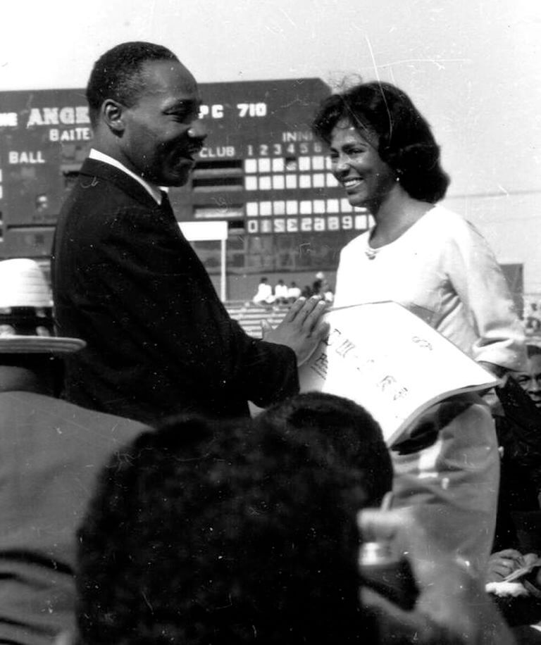 1963 the-reverend-dr-martin-luther-king-jr-greets-actress-news-photo-1591905818