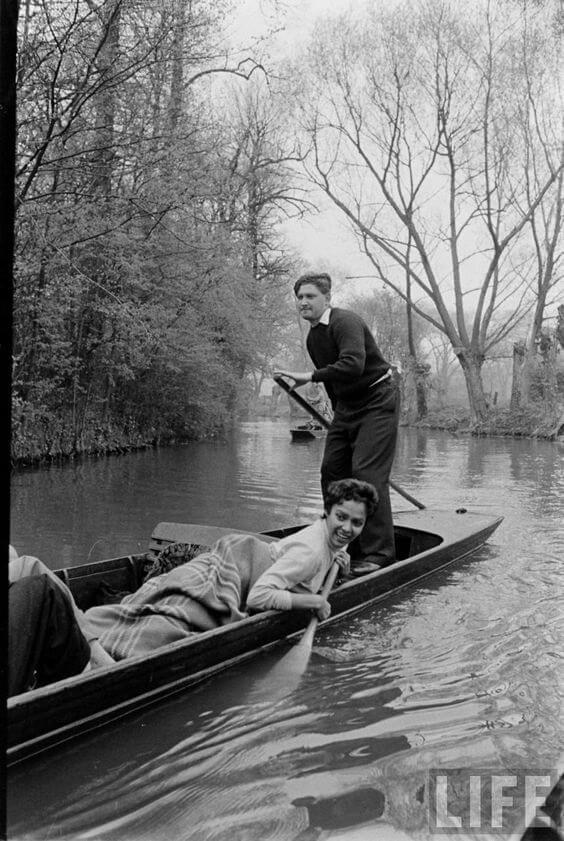 Dorothy On A Gondola