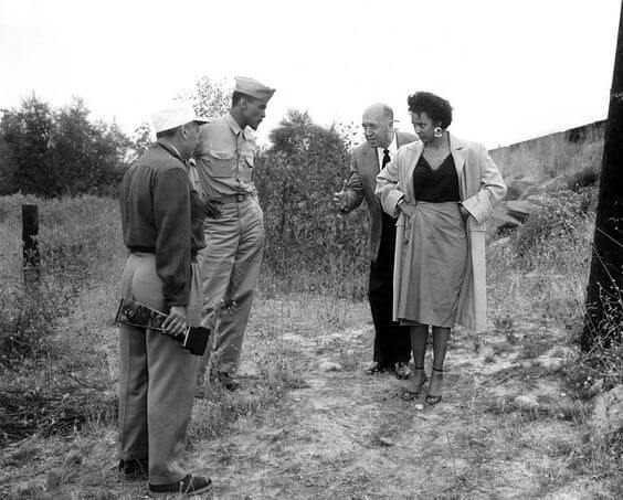 Otto Preminger & Carmen Jones Cast - ON SET