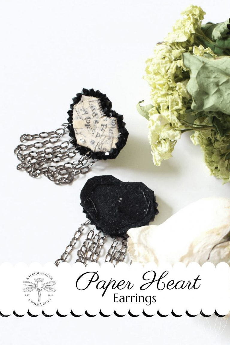 Handmade paper hearts are the focal points of these heart earrings #paperhearts #paperearrings #paperjewelry #handmadejewelry