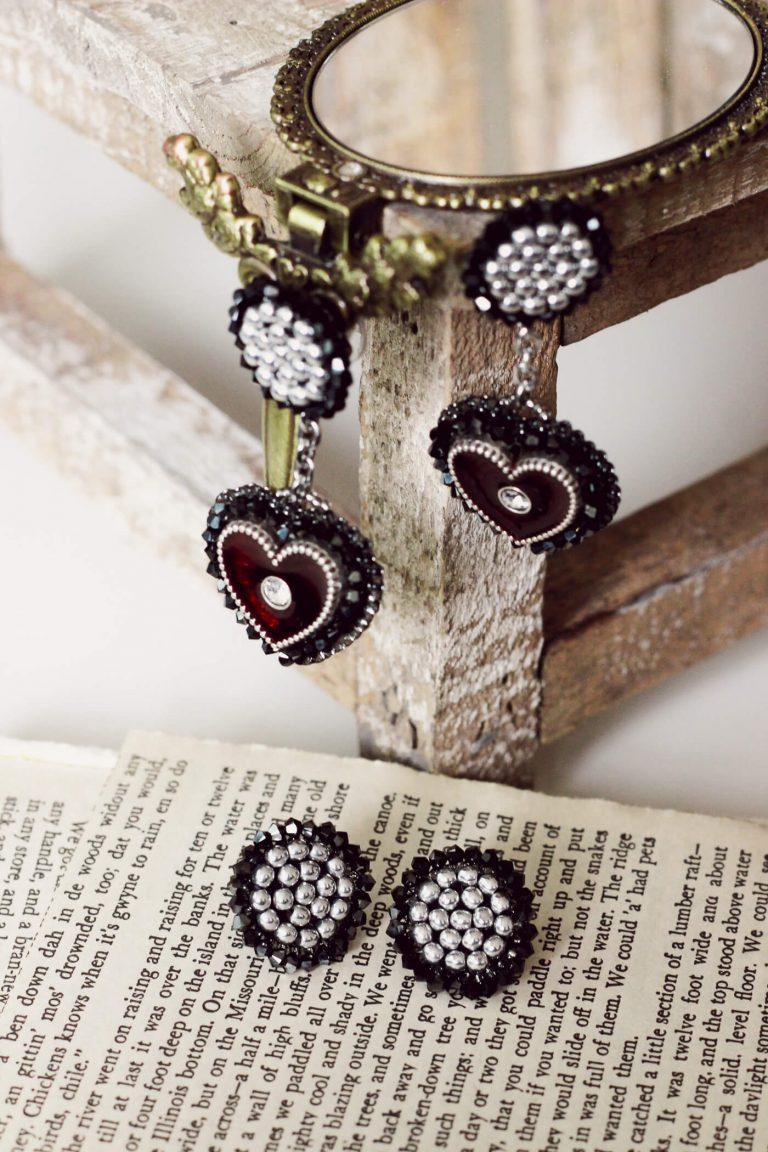 Beaded Heart Dangle Earrings Inspired by Selena Quintanilla-Perez's Style #heartearrings #handmadearrings #dangleearrings #heartearrings