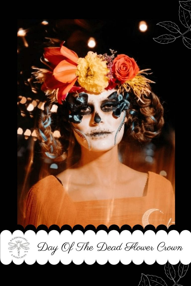 Day Of the Dead flower crown is often made up of marigolds, chrysanthemums, roses, and baby's breath and are worn as a way of celebrating the beauty of life. #flowercrown #flowerchild #flowerlover #fbloggers #cbloggers