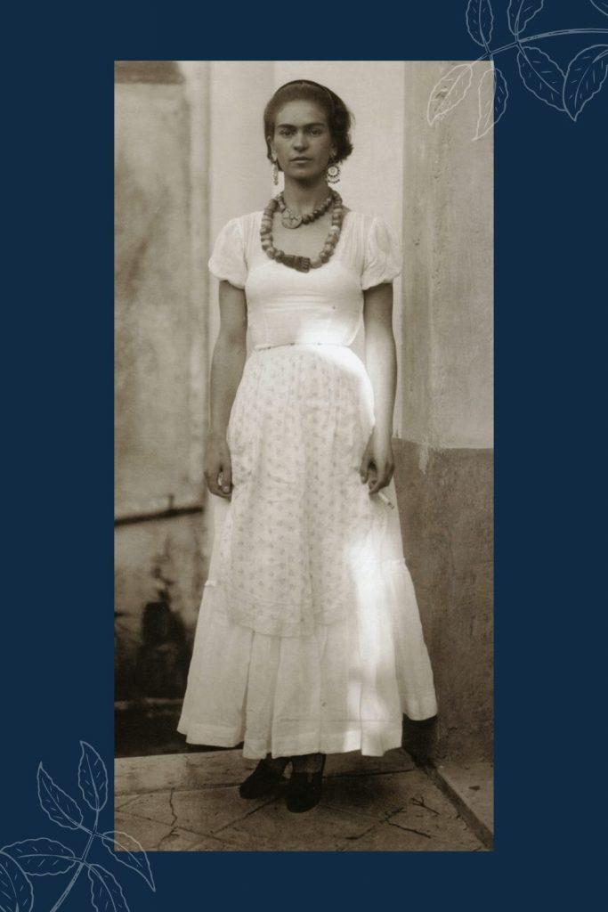 Who's Frida Kahlo? She was a proud Mexican artist who lived passionately and unapologetically. #fridakahlofans #fridakahlolove #artistamexicana